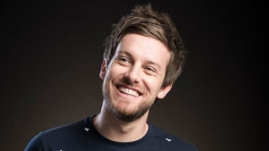 Chris Ramsey Gets Crafty with Young Carers for Children in Need